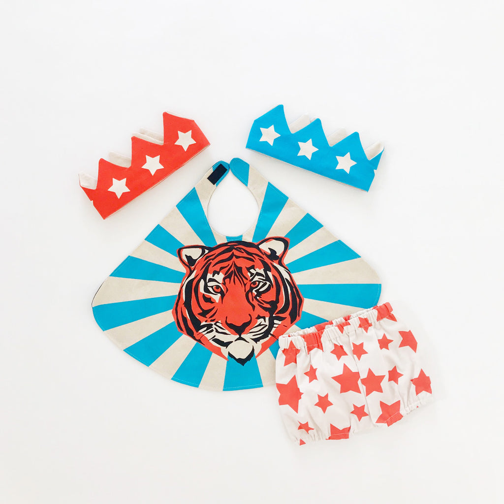 Blue Baby Tiger Cape Set