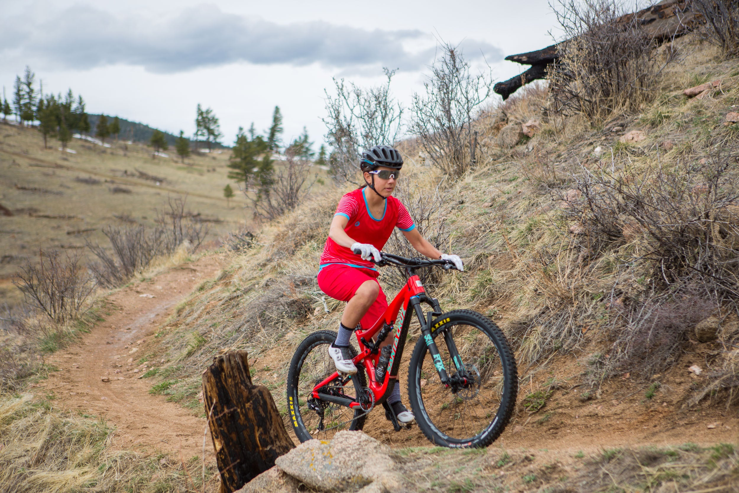 Reviewed: Pactimo's Apex MTB Collection