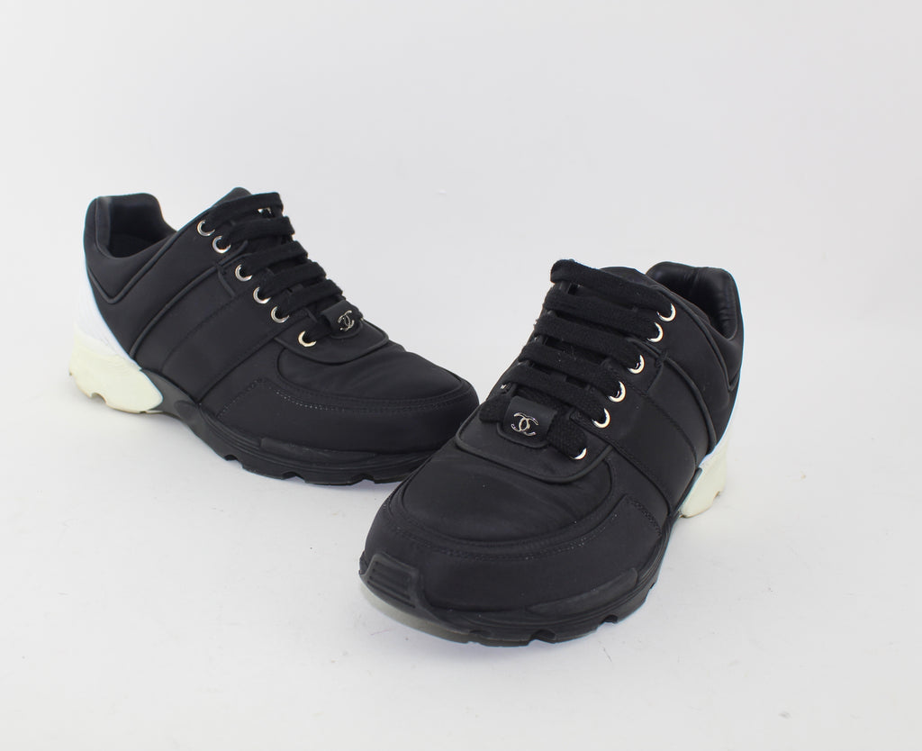 CHANEL TRAINERS SIZE 37.5