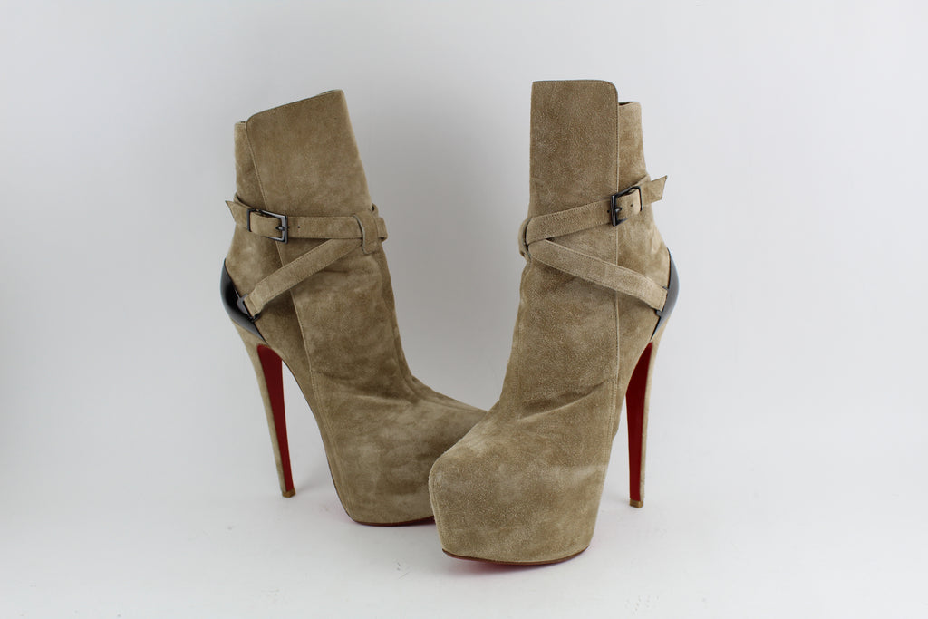 best loved 4d0fc 01f29 CHRISTIAN LOUBOUTIN 160MM EQUESTRIA SUEDE STRAP BOOTS SIZE 37