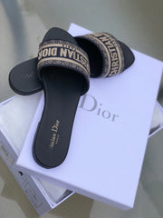 CHRISTIAN DIOR DWAY MULES SIZE 38.5 SANDALS | LuxurySnob: pre owned luxury handbags, authentic designer goods second hand, second hand luxury bags, gently used designer shoes