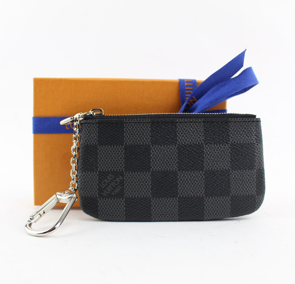 LOUIS VUITTON KEY POUCH ACCESSORIES | LuxurySnob: pre owned luxury handbags, authentic designer goods second hand, second hand luxury bags, gently used designer shoes
