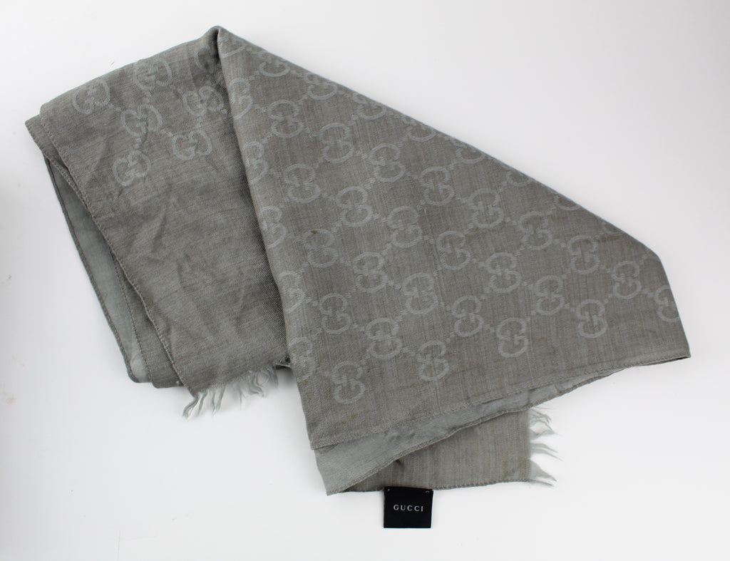 GUCCI SILK BLEND SCARF ACCESSORIES | LuxurySnob: pre owned luxury handbags, authentic designer goods second hand, second hand luxury bags, gently used designer shoes