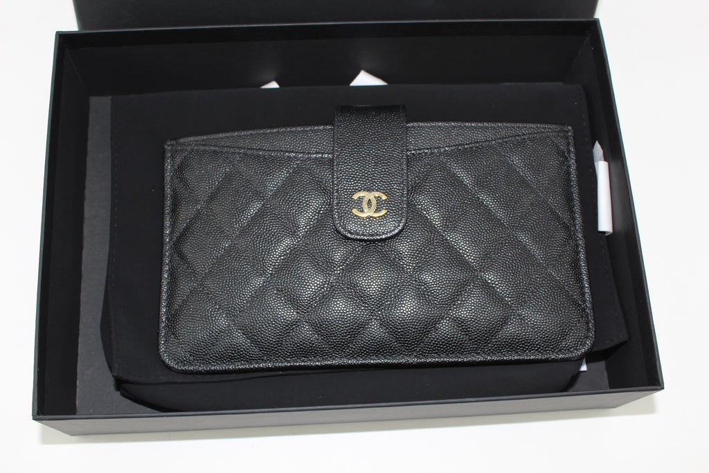 CHANEL CAVIER POUCH WITH CARD HOLDER ACCESSORIES | LuxurySnob: pre owned luxury handbags, authentic designer goods second hand, second hand luxury bags, gently used designer shoes