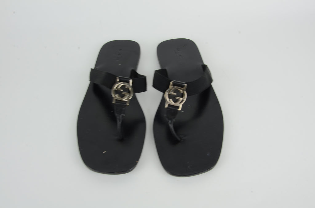 GUCCI GG THONG SANDALS SIZE 39