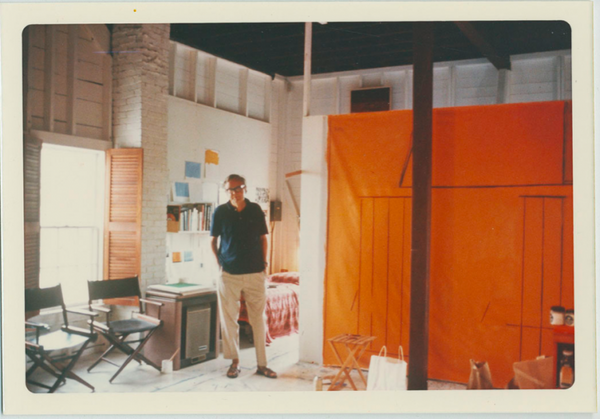 Motherwell in his Provincetown studio, 1969. Image courtesy of the Dedalus Foundation.