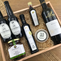 """The Entertainer"" Gift Hamper"