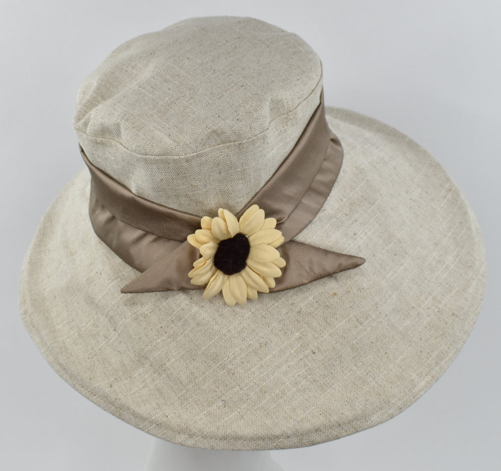 Large front brim hat in two tones