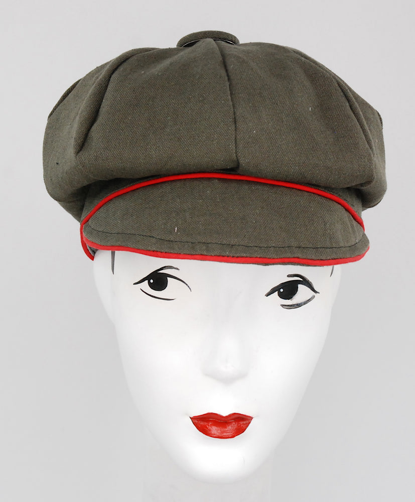 "Stylish sectional cap, made to order in ""khaki"" color"
