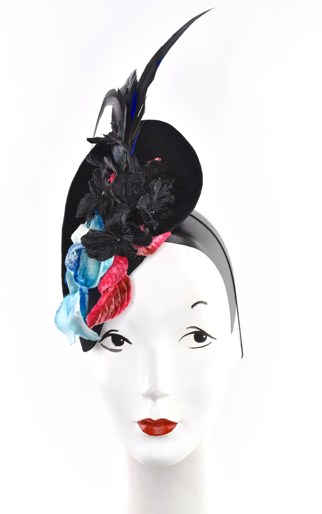 Stylish ascot/derby/event headpiece