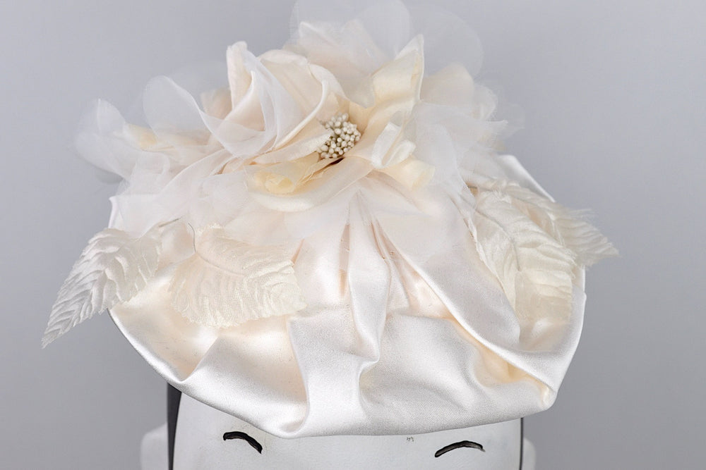 Bridal headpiece with silk flowers