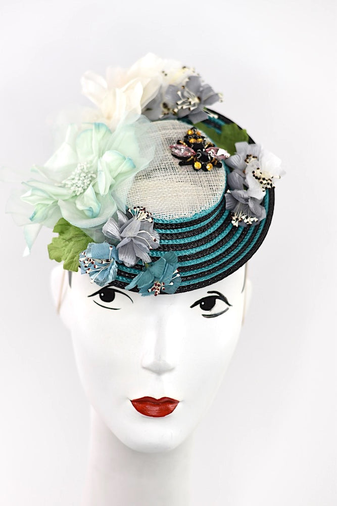 """A bee in your hive"", headpiece with vintage flowers and netting for Derby"