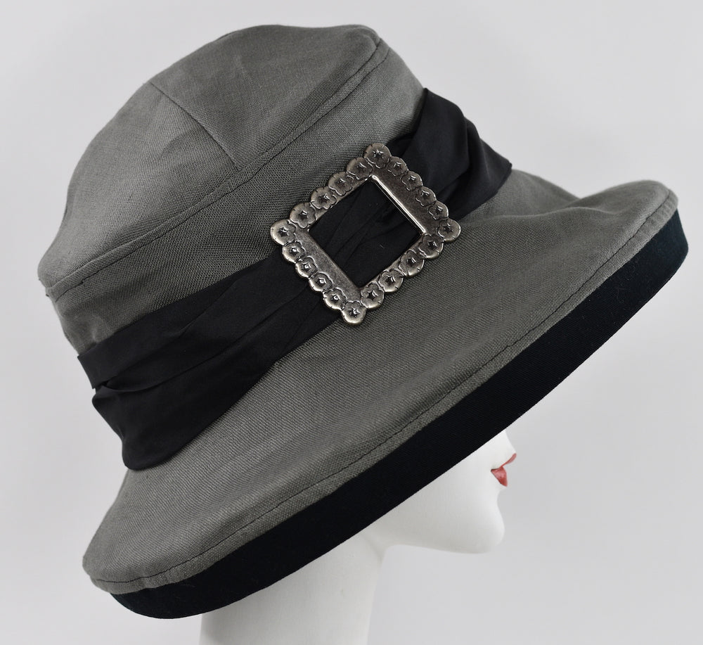 Large brim 100% linen summer hat with black trims, sectional crown