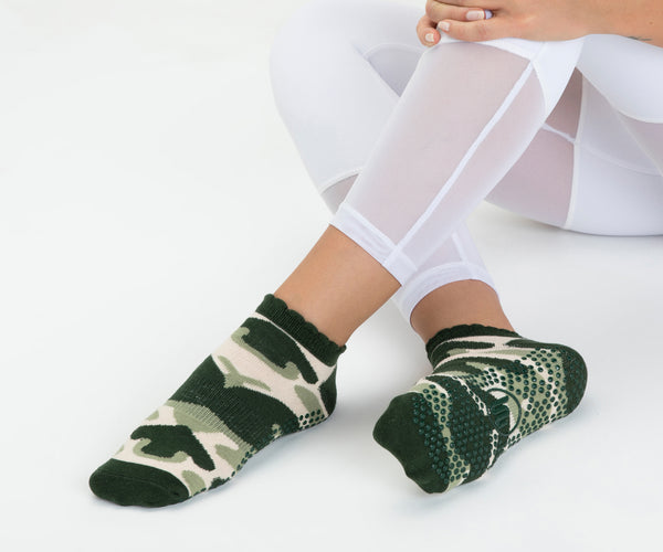 Classic Low Rise Frill Non Slip Grip Socks
