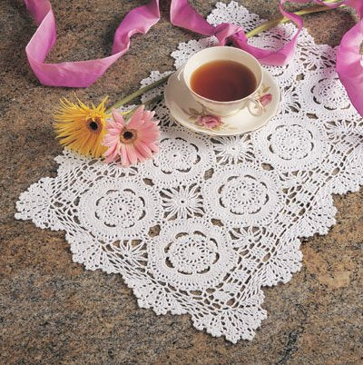 "Fennco Handmade Crochet Lace Cotton Traycloth Placemats, 2-Piece Set, 14""x20"""