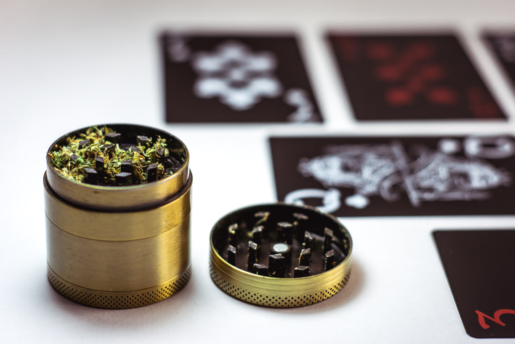 How to grind Cannabis for beginners?