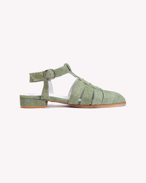 Lizzie - Closed Toe Sandals