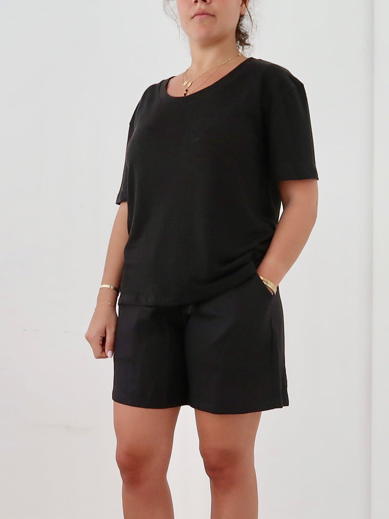 Women's Oversize Linen T-shirt (Black)