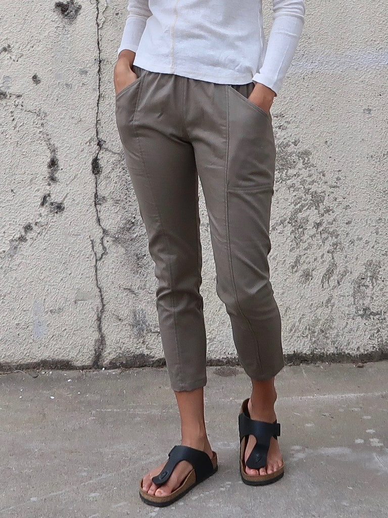 Women's Elastic Waist Panel Pants - Khaki