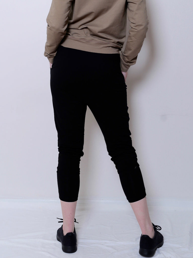 Women's Organic Cotton Jogger (Black)