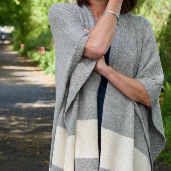 Illari luxury alpaca wrap - bluellamashop