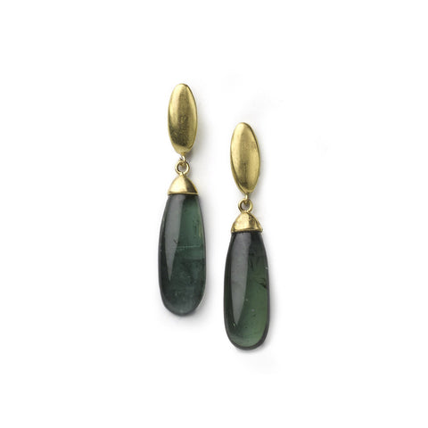 Drop earrings with green tourmaline cabochon drops set in yellow gold, with smooth yellow gold tops