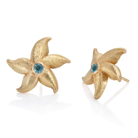 Yellow gold starfish stud earrings set with central apatite cabochon stone