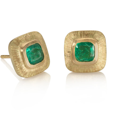 Green emerald engraved gold stud earrings