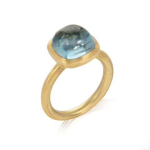 18ct Aquamarine Cushion Shaped Ring