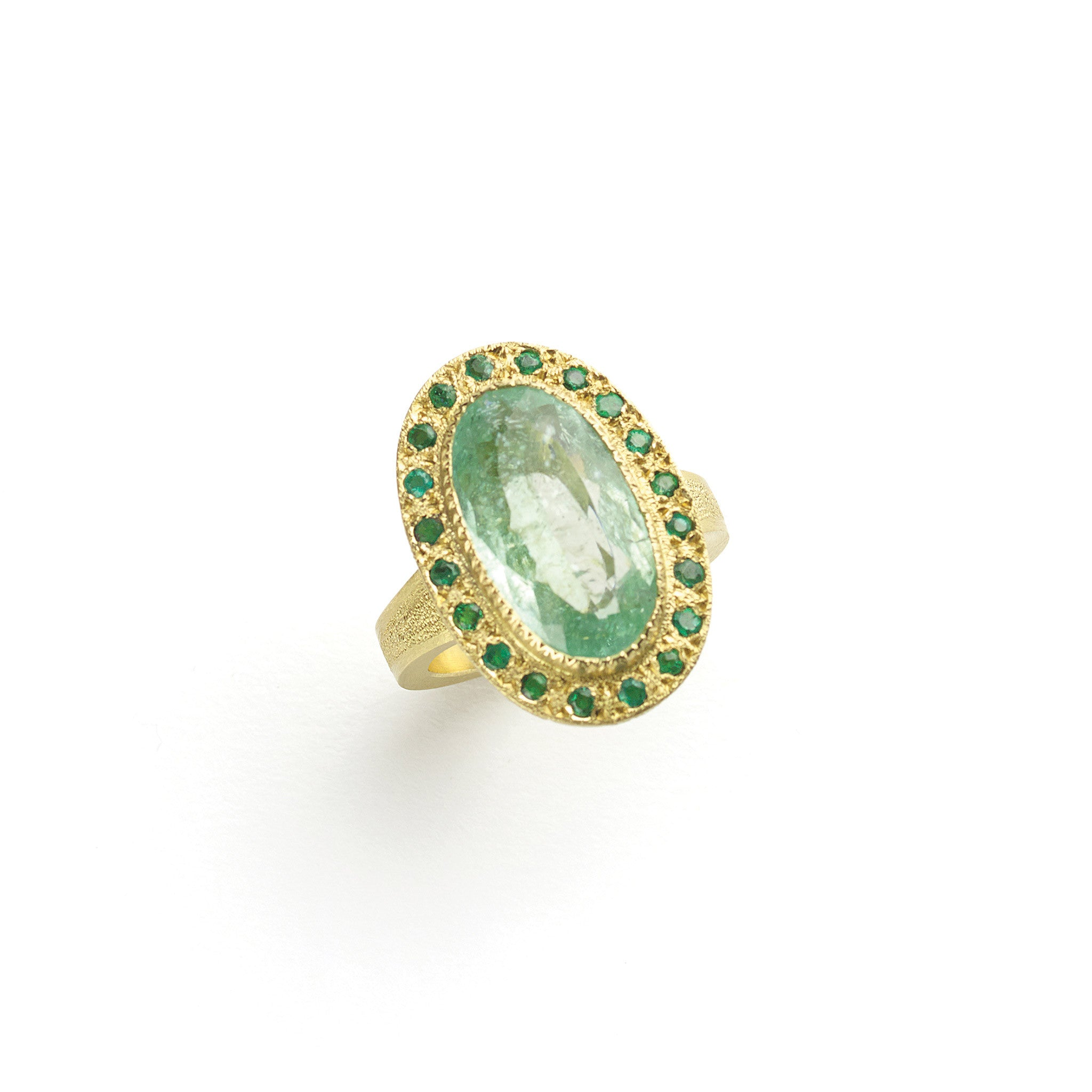 rings diamond emeral emerald image white in oval ring halo and gold