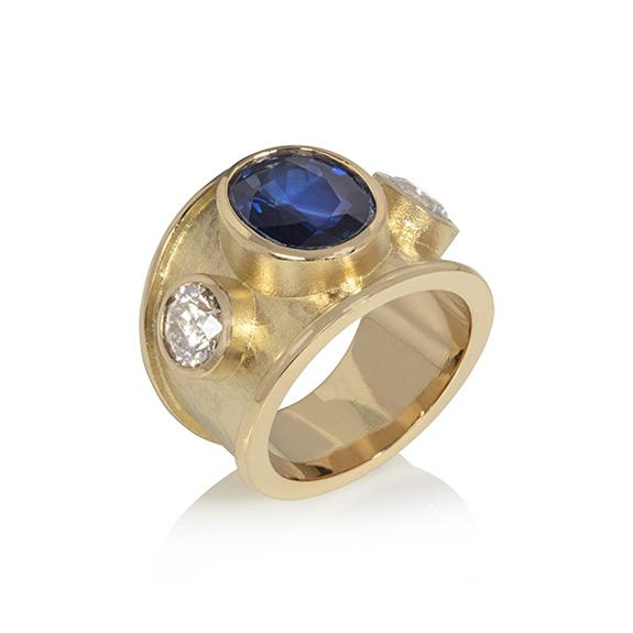 Wide 18ct Ring with Sapphire and Diamonds