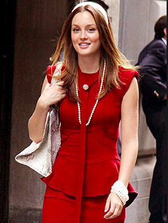 Blair Waldorf played by Leighton Meester wearing Brooch. TV style icon.