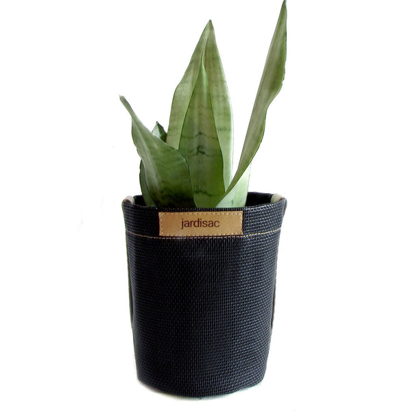 Black Plant Pots outdoor indoor planters in geotexteile fabric bag to grow