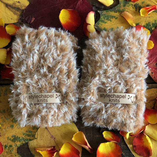 Cosy Wrist Warmers – Oh Honey
