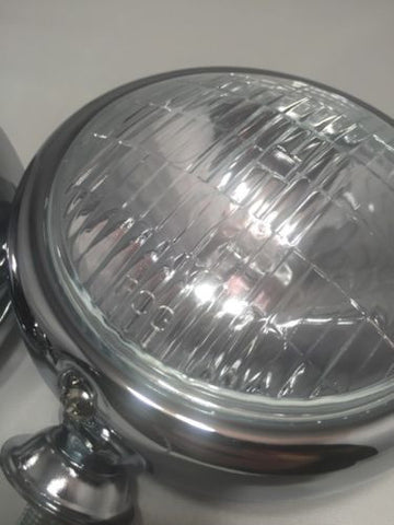 Image of Vintage Round Chrome Clear Fog Light - 12V - Main
