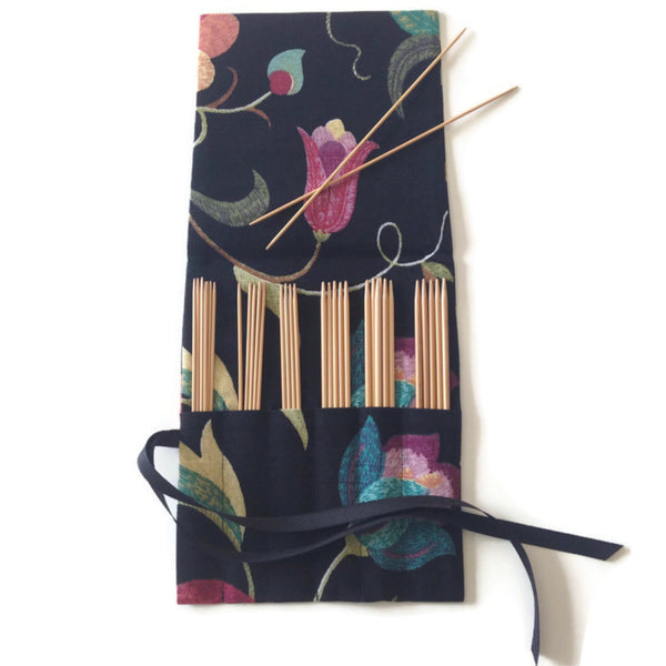 Double Point Needle Six Pocket Roll Up Black Linen Floral