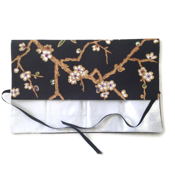 Circular Needle Case Black Oriental Floral
