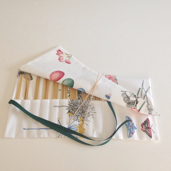 Double Point Needle Roll Up 12 Pockets White Floral