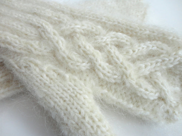 Mittens Winter White - Buttermilk Cottage - 4
