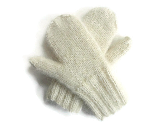 Mittens Winter White - Buttermilk Cottage - 2
