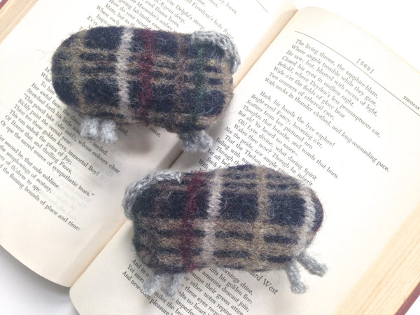 Felted Sheep Handwarmers Plaid - Buttermilk Cottage - 4