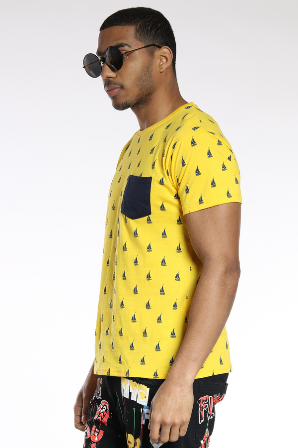 Men's Sunny Boats Printed Tee - Gold Navy