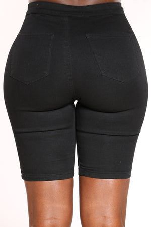 Women's High Waist Bermuda Short - Black