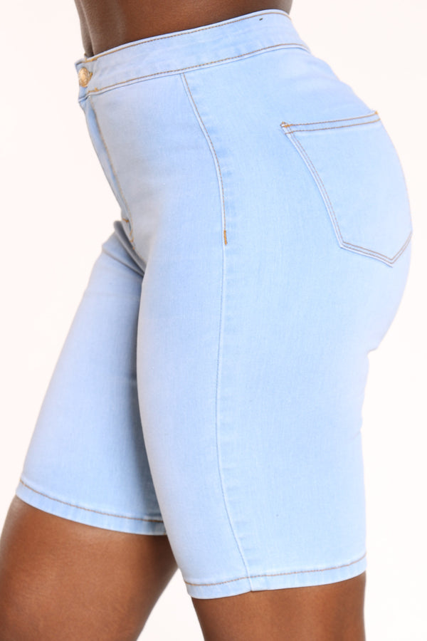 Women's Highwaist Bermuda - Light Blue