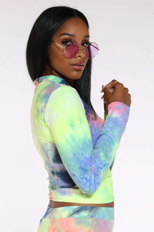 Women's Tie Dye Hooded Yummy Tee - Rainbow