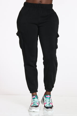 Women's Cargo Pocket Fleece Jogger - Black-VIM.COM