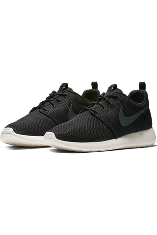 Men's Roshe Run Sneaker - Black Sail