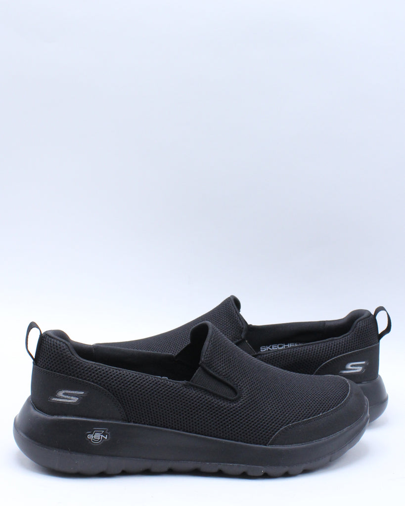 Mens Go Walk Max Clinched Sneaker - Black