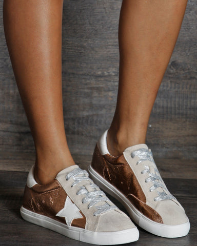 VIM VIXEN Kelsi Star Low Top Fashion Sneaker - Rose Gold - ShopVimVixen.com