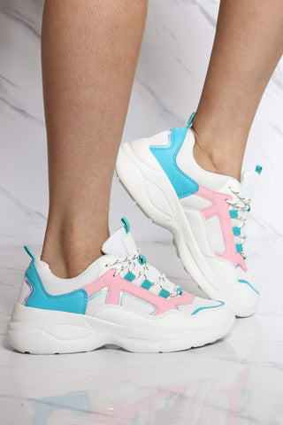 Women's Naomi Light Weight Sneaker - White Multi